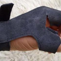 Y Gloves
