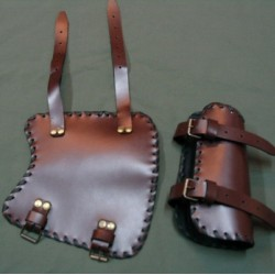 Armguard with buckle